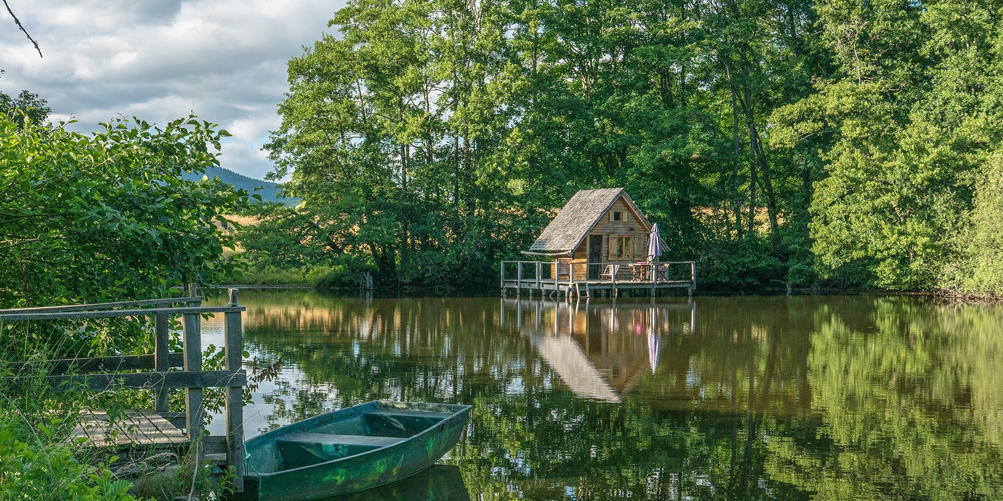 cabanes lacustres parc naturel du Morvan éco logement